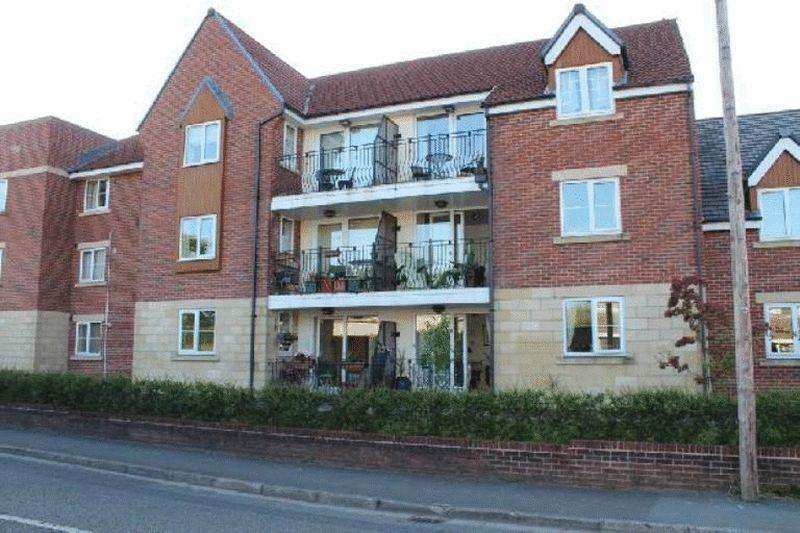 2 Bedrooms Apartment Flat for sale in Nailers Green, Greenmount