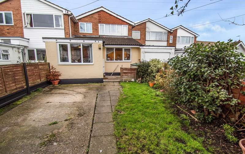3 Bedrooms Terraced House for sale in Grove Road, Canvey Island, SS8