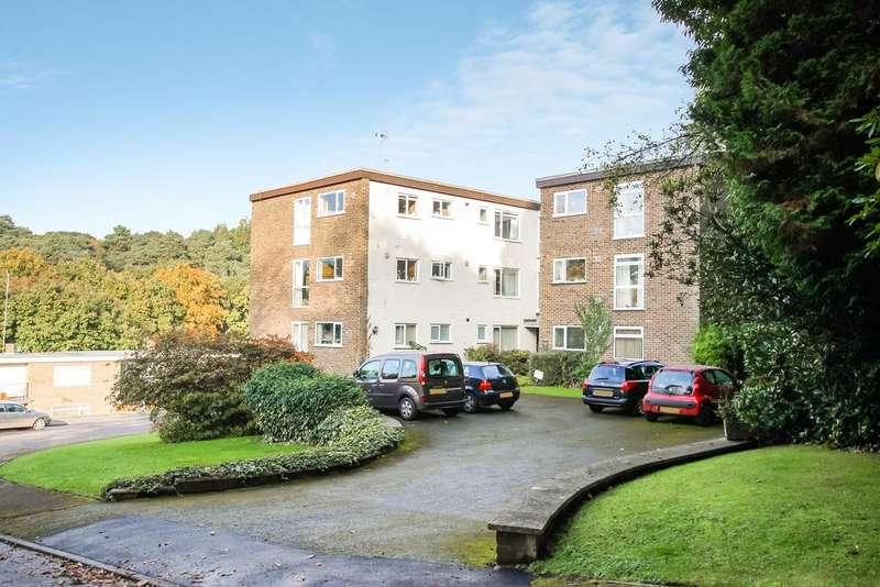 2 Bedrooms Flat for sale in Hurstmere Close,, Grayshott, Hindhead gu26