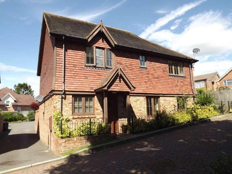 2 Bedrooms Village House for sale in Lower St Marys, Ticehurst TN5