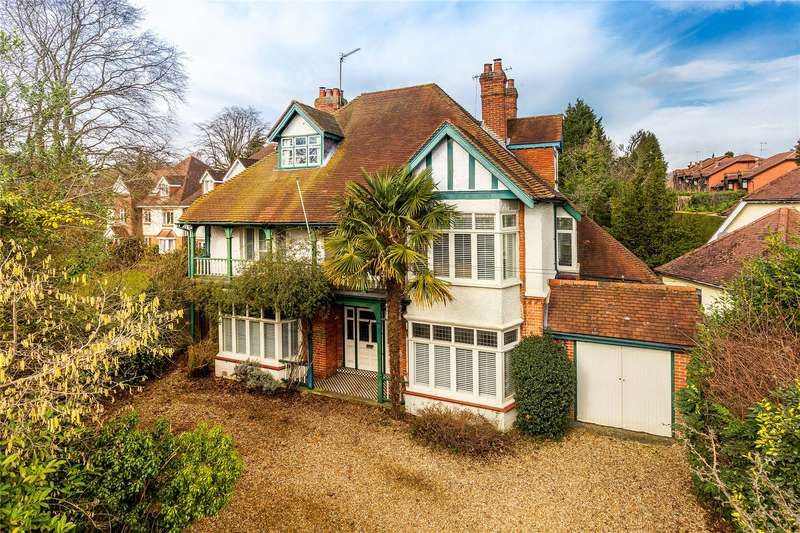 6 Bedrooms Detached House for sale in Guildford Road, Woking, Surrey, GU22