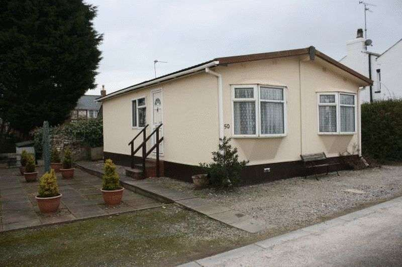 2 Bedrooms Bungalow for sale in 50 Stalmine Hall Park, Hall Gate Lane, Stalmine, Poulton-Le-Fylde, Lancashire, BB6 8HQ