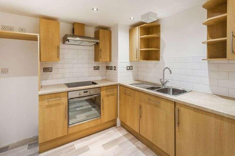 2 Bedrooms Flat for sale in Lingfield Road, EDENBRIDGE, Kent