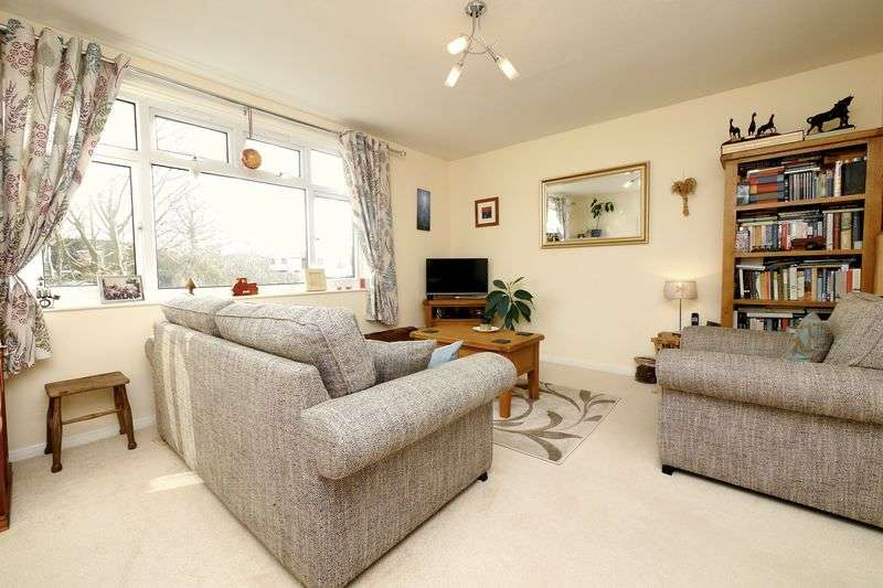 2 Bedrooms Flat for sale in CROWMARSH GIFFORD