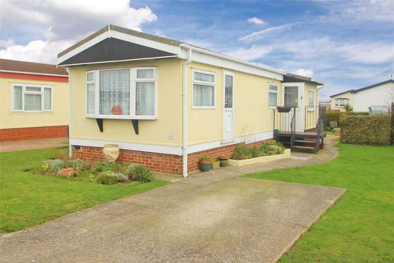 1 Bedroom Bungalow for sale in Windsor Way, Broadway Park, Lancing, BN15