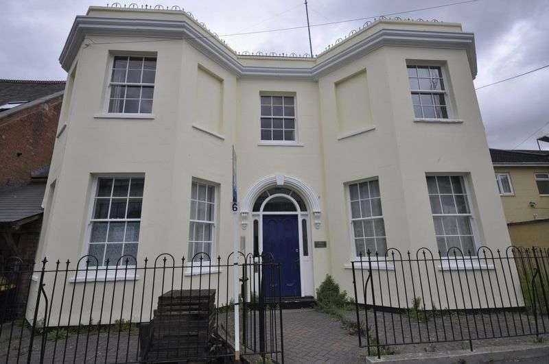 1 Bedroom Flat for sale in Bennington Street, Cheltenham