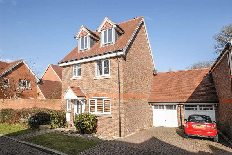 4 Bedrooms Detached House for sale in The Grange, Hurstpierpoint
