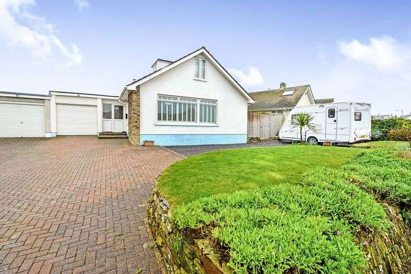 3 Bedrooms Bungalow for sale in Arundel Way, Newquay