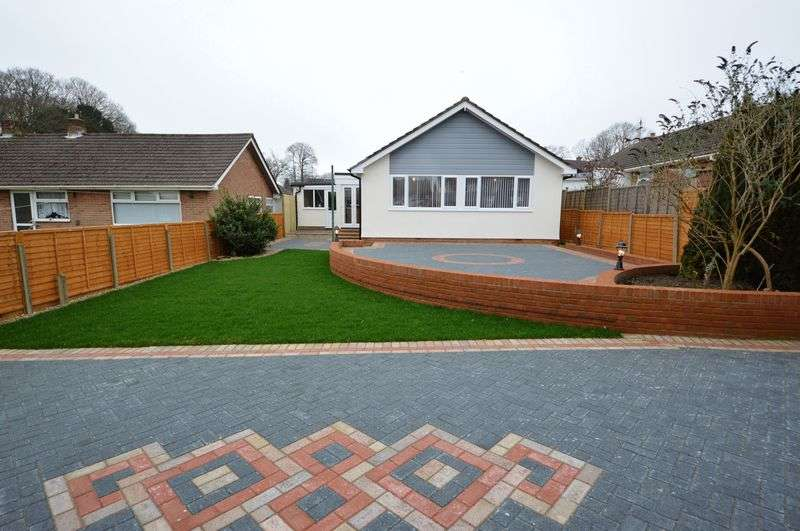 3 Bedrooms Detached Bungalow for sale in Greenfield Crescent, Waterlooville