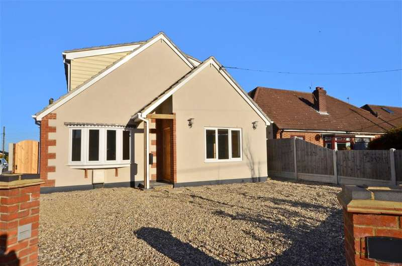 4 Bedrooms Detached House for sale in Lower Road, Hullbridge, Hockley, Essex
