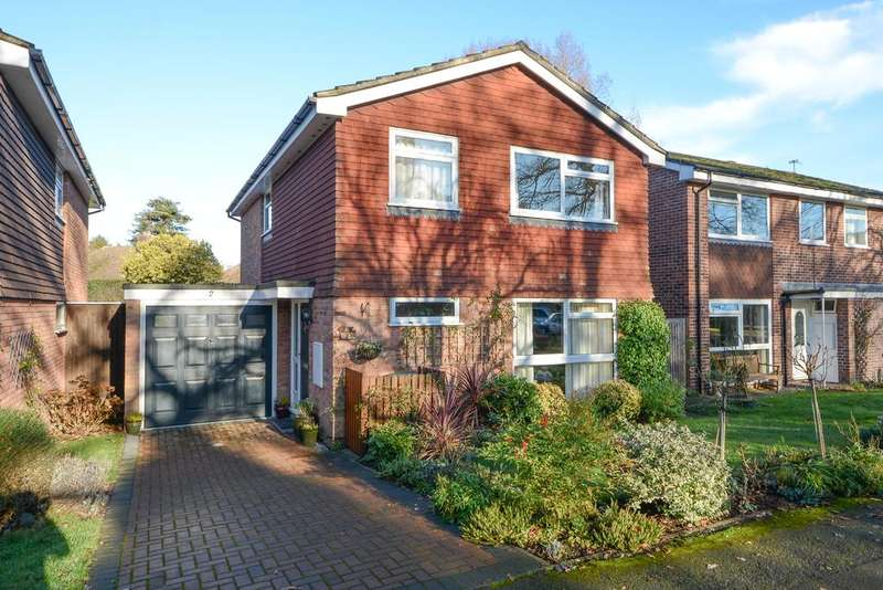 4 Bedrooms Detached House for sale in Frith Knowle, HERSHAM, WALTON ON THAMES KT12
