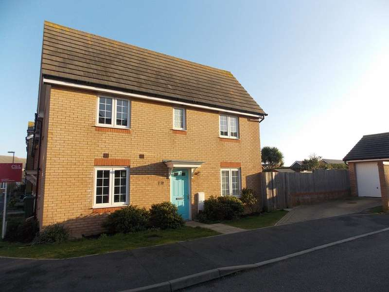 3 Bedrooms Terraced House for sale in Westview Close, Peacehaven,