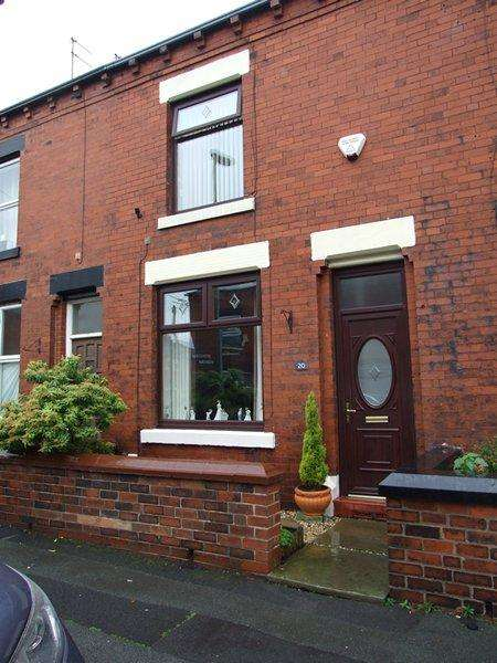 3 Bedrooms Terraced House for sale in Smryna Street, Clarksfield, Oldham OL4