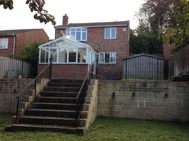 4 Bedrooms Detached House for sale in Hill Head Close, Glastonbury BA6