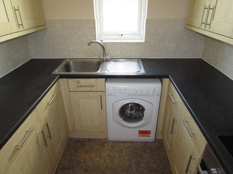 2 Bedrooms Flat for rent in Slough SL1