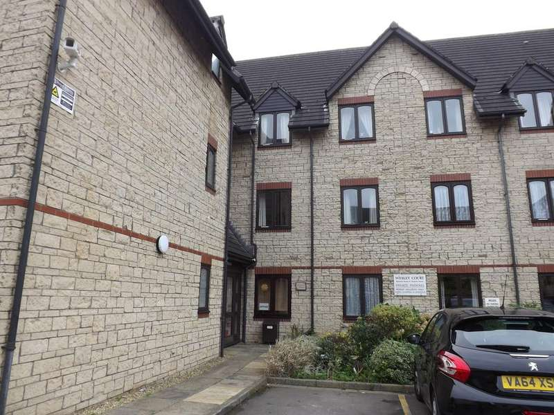 2 Bedrooms Ground Flat for sale in Weavers House, Wesley Court, Stroud GL5