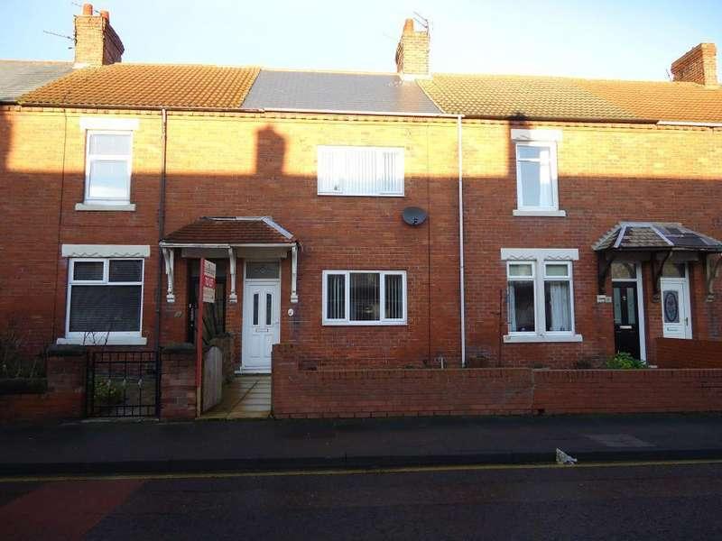 2 Bedrooms Terraced House for sale in North Seaton Road, Newbiggin, NE64 6XT