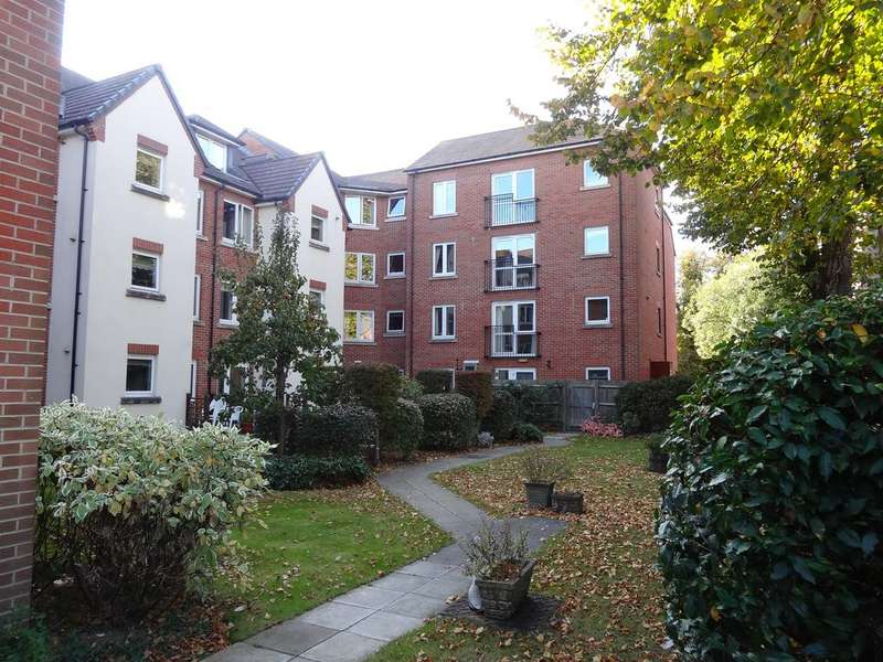 1 Bedroom Flat for sale in Byron Court, Stockbridge Road, Chichester PO19