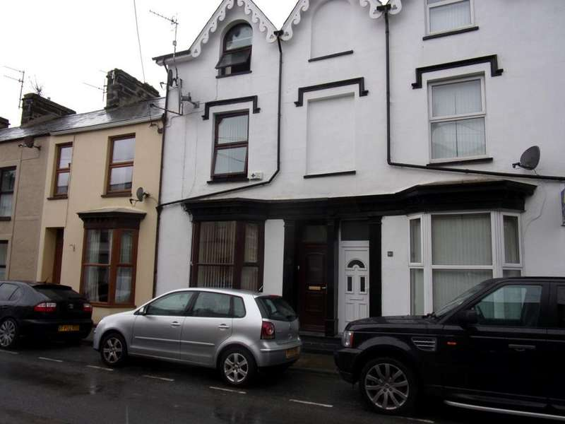 4 Bedrooms Terraced House for sale in 16 Madog Street, Porthmadog LL49