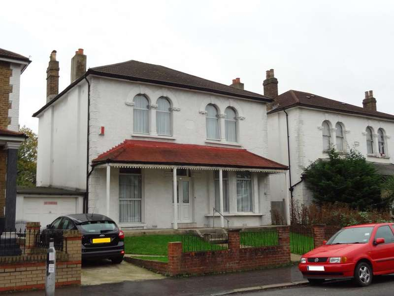4 Bedrooms Detached House for sale in Beulah Road, Thornton Heath CR7