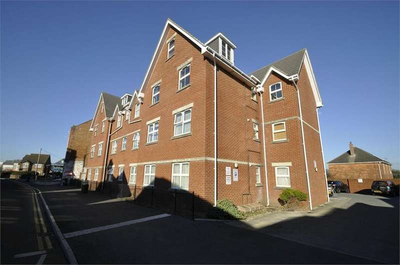 2 Bedrooms Flat for sale in Seabourne Road, BOURNEMOUTH, Dorset