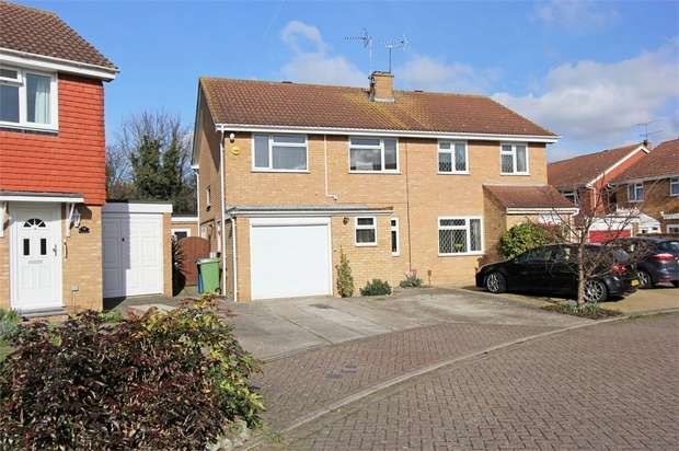 3 Bedrooms Semi Detached House for sale in Alexandra Close, SITTINGBOURNE, Kent