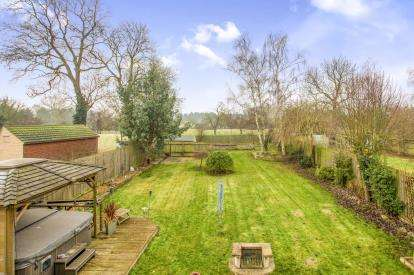 4 Bedrooms Detached House for sale in High Street, Needingworth, St. Ives, Cambridgeshire