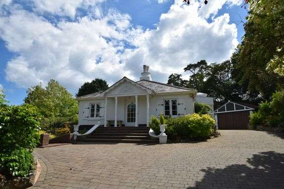 3 Bedrooms Detached Bungalow for sale in Cotmaton Road, Sidmouth