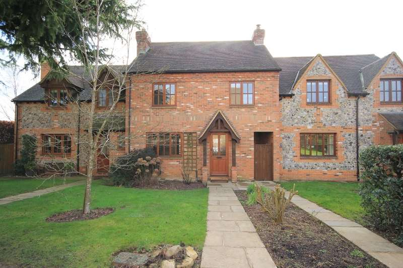 3 Bedrooms Cottage House for sale in Bledlow Ridge | Buckinghamshire