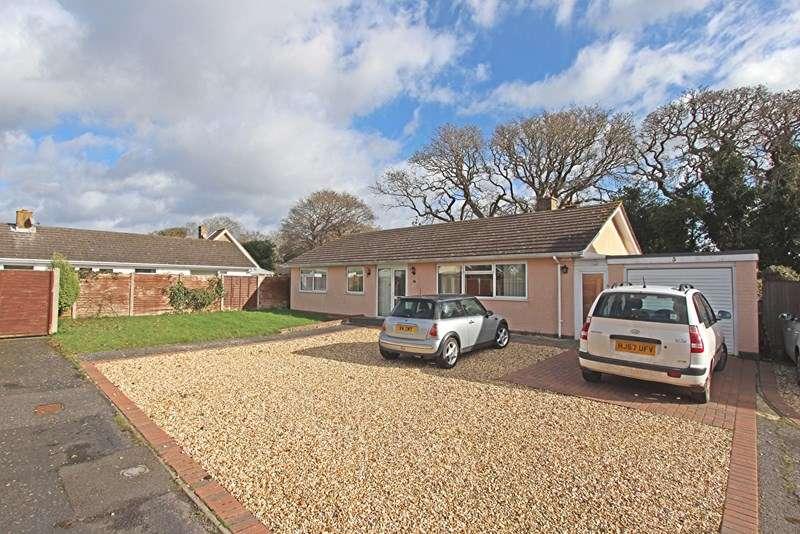 3 Bedrooms Detached Bungalow for sale in Fox Field, Everton, Lymington