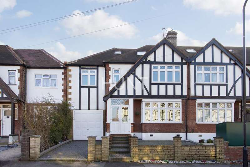 5 Bedrooms Semi Detached House for sale in Frinton Drive, Woodford Green, Essex IG8