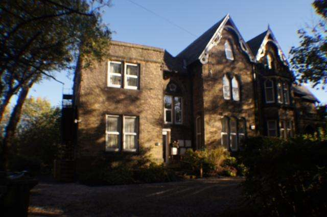 1 Bedroom Ground Flat for sale in 1 bedroom on Manningham area