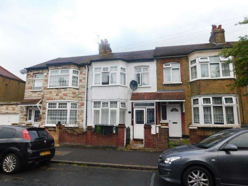 3 Bedrooms House for sale in George Road, Chingford E4