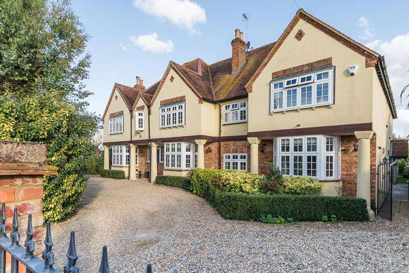 8 Bedrooms Detached House for sale in Churchway , HADDENHAM, HP17