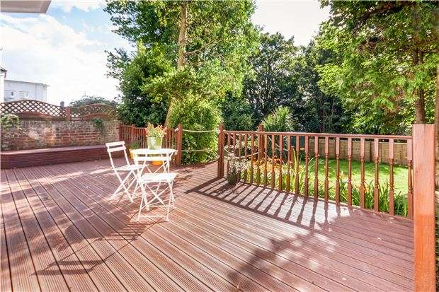 2 Bedrooms Flat for sale in Flat, Chapel Park Road, ST LEONARDS, East Sussex, TN37