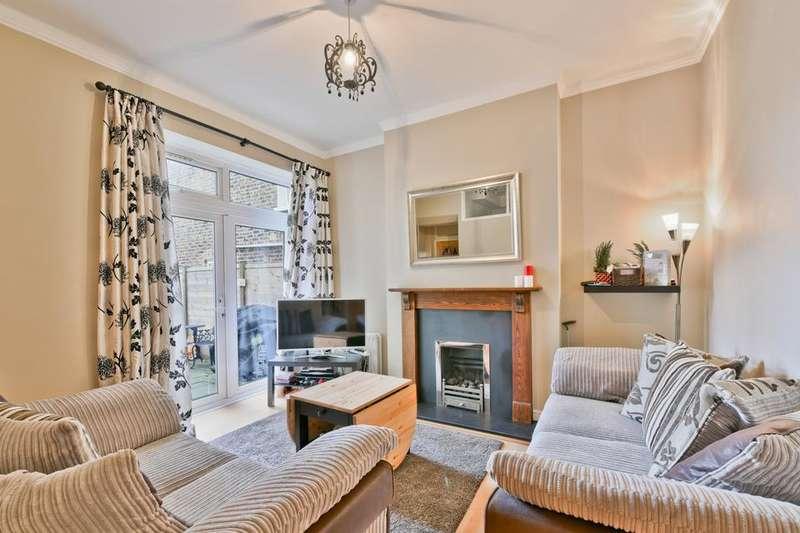 2 Bedrooms Flat for sale in Pelham Road, London SW19