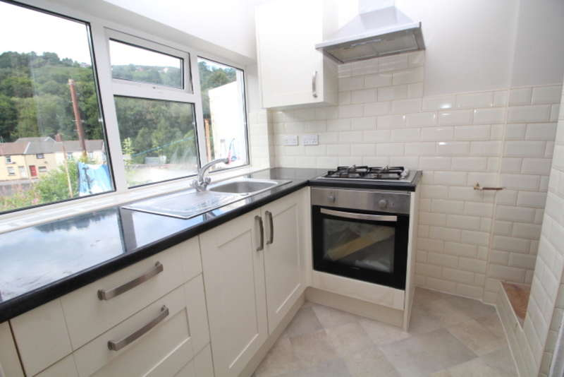 3 Bedrooms Terraced House for sale in Charles Street, Pontypridd