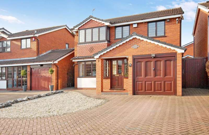 4 Bedrooms Detached House for sale in ROWAN DRIVE, Essington, Wolverhampton WV11