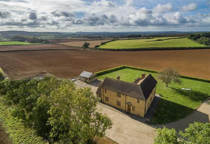 4 Bedrooms Detached House for sale in Yeovil Road, Sherborne, Dorset, DT9
