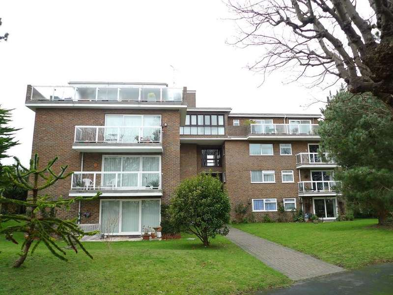 3 Bedrooms Apartment Flat for sale in Park Avenue, Eastbourne, BN22