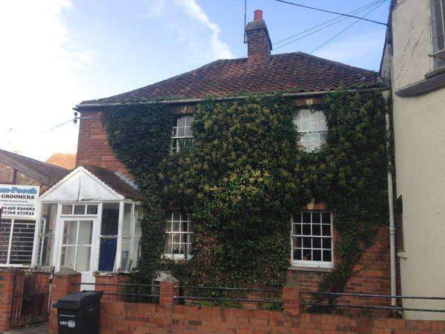 3 Bedrooms Semi Detached House for sale in Silver Street, Glastonbury BA6
