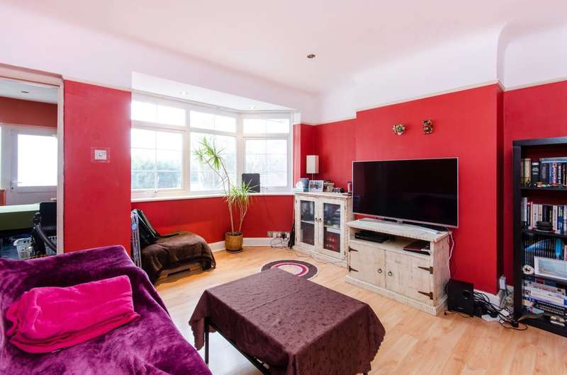 2 Bedrooms Maisonette Flat for sale in Vale Crescent, Kingston Vale, SW15