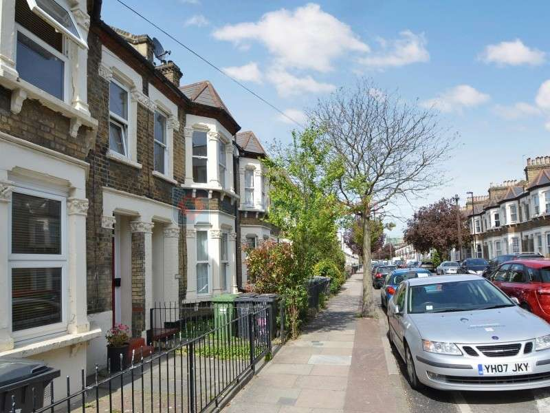 2 Bedrooms Flat for sale in Gosterwood Street, Deptford SE8