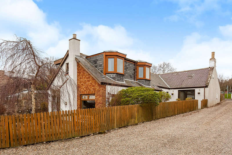 4 Bedrooms Detached House for sale in Holly Cottage Main Road, Hillside, MONTROSE, DD10