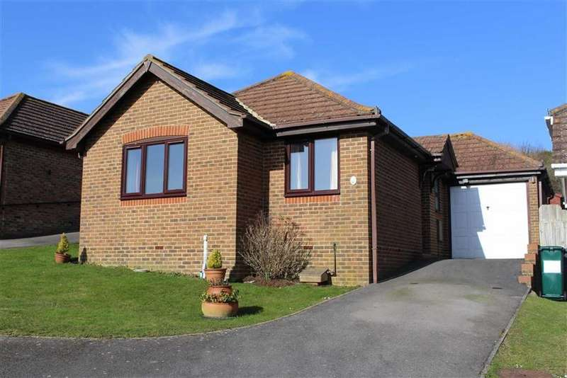 2 Bedrooms Detached Bungalow for sale in Meads Avenue, Hove, East Sussex