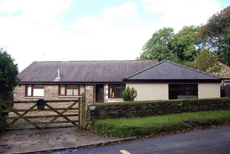 4 Bedrooms Bungalow for sale in St Teath, Cornwall, PL30