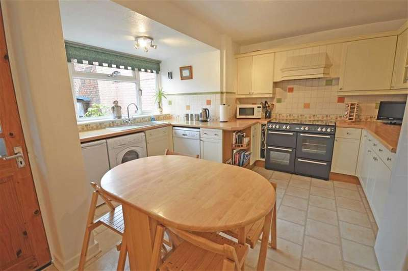 4 Bedrooms Semi Detached House for sale in Davenport Road, Hazel Grove, Cheshire