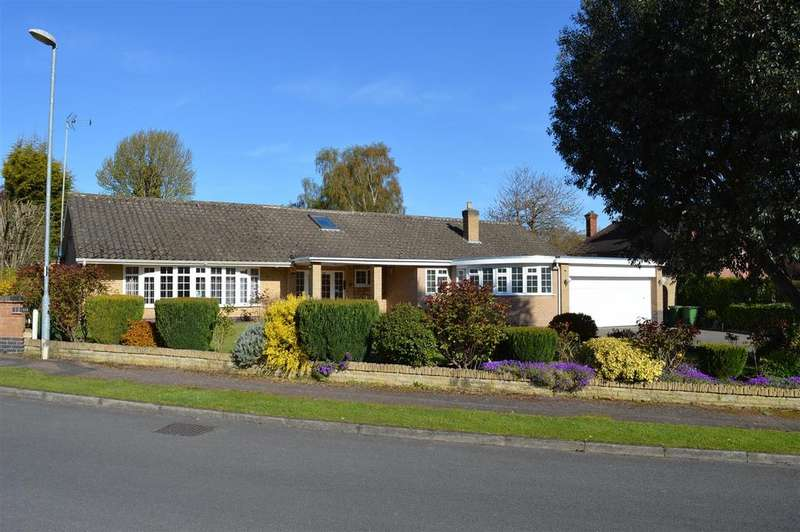 5 Bedrooms Detached Bungalow for sale in Oaks Way, Oadby