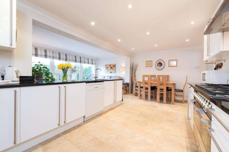 3 Bedrooms Detached House for sale in Beech Road, Wheatley, Oxford, Oxfordshire