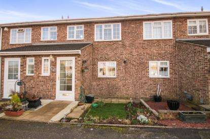 3 Bedrooms Terraced House for sale in Marsh Close, Waltham Cross, Hertfordshire, Waltham Cross